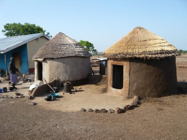 Lehmhauserweiterung in Gushiegu Camp